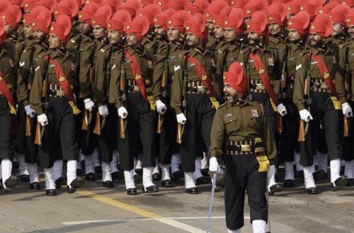 Photo of गणतंत्र दिवस विशेष : भारतीय सेना की इन रेजीमेंट्स से कांपता है पाकिस्तान