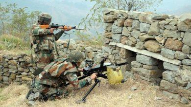 Photo of BREAKING : कश्मीर के श्रीनगर में आतंकियों ने किया सुरक्षाबलों पर हमला, दो जवान शहीद