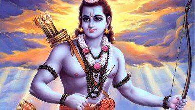 Photo of श्वेत वस्त्र में विराजमान हुए रामलला, देखिए अयोध्या से सोमवार दर्शन
