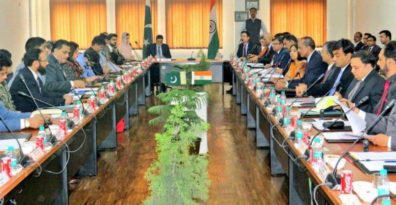 करतारपुर कॉरिडोर को लेकर भारत और पाकिस्तान के बीच बड़ी बैठक शुरू