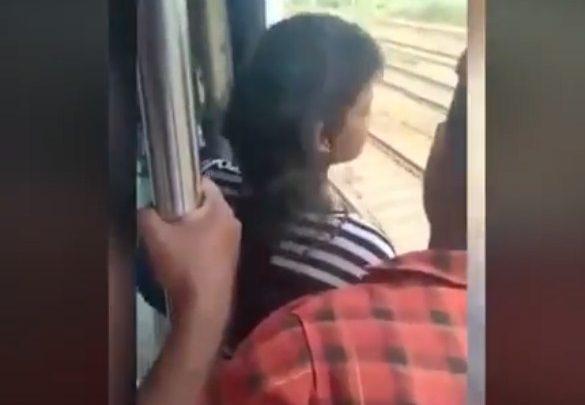 चलती ट्रेन