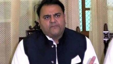 Photo of पाकिस्तानी मंत्री फवाद चौधरी ने उड़ाया चंद्रयान का मज़ाक, लोगों ने लगा दी क्लास