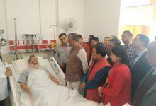 Photo of सांसद तीरथ सिंह रावत के स्वास्थ्य का हालचाल जानने AIIMS पहुंचे सीएम त्रिवेंद्र