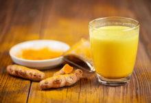 Photo of जानिए हल्दी वाला दूध आपकी सेहत के लिए है कितना फायदेमंद, दूर करता है ये बीमारियाँ