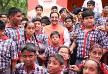 Photo of देश में 1200 से अधिक केन्द्रीय विद्यालयों में पढ़ने रहे 12.5 लाख छात्रों को रमेश पोखरियाल 'निशंक' ने दी बधाई