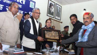 Photo of उत्तराखंड के स्थानीय उत्पादों को बेहतर बाज़ार व्यवस्था से जोड़ेगी त्रिवेंद्र सरकार