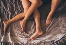 Photo of बेड पर भरपूर मस्ती के लिए रात में पुरुष इन अंगों पर लगाएं ये तेल