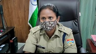 Photo of Corona : पौड़ी में कोरोना को लेकर लापरवाही बरत रहे लोगों पर पुलिस सख्त