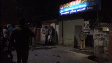 Photo of रुद्रपुर में पुलिस चौकी पर रातोंरात हो गया पथराव
