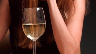 Photo of VIDEO : महिलाएं शराब खरीदने में पुरुषों से पीछे नहीं