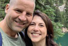Photo of जेफ़ बेजोस की पूर्व पत्नी ने मामूली टीचर से की शादी