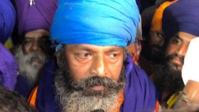 Photo of सिंघु बॉर्डर : निहंग सिख ने एक मजदूर को मुफ्त चिकन ना देने पर बेहरहमी से पीटा