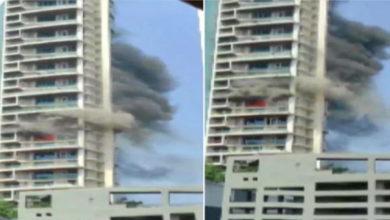 Photo of मुंबई की 60 मंजिला ईमारत में भीषण आग लगने से मचा हाहाकार, बचने के लिए 19वें फ्लोर से लटका शख्स