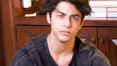 Photo of ऐसी रही है शाहरुख़ के बेटे आर्यन खान की लाइफस्टाइल, अपने पिता की मूवी में निभा चुके हैं बचपन का रोल
