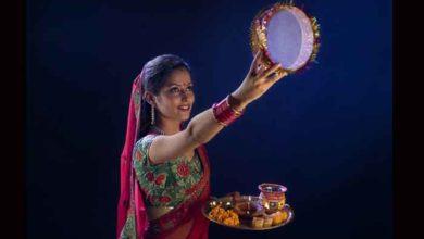 Photo of इस साल के करवा चौथ पर बन रहा है महा योग, जानिए कब होगा पूजा का शुभ मुहूर्त ?