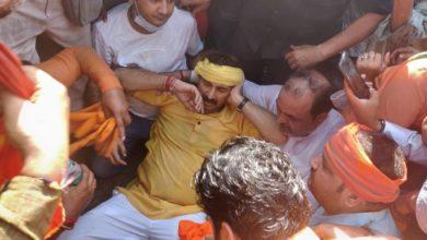 Photo of मनोज तिवारी पर आरजेडी नेता ने कसा तंज, कहा- ' चोट सिर में लगी है, तो फिर यूरोलॉजी में भर्ती क्यों हो गए हैं?'